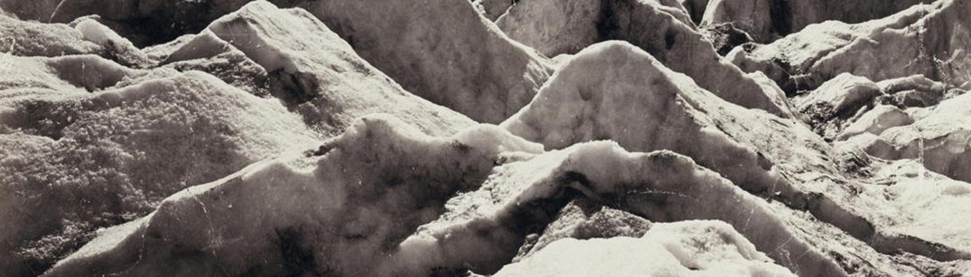 Adolphe Braun, Alpinistes sur le glacier de Morteratsch,1875, Tirage sur papier albuminé, 23 x 27,5 cm, Collection particulière / Droits réservés